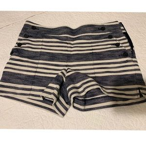 LOFT Rivera Blue / white button detail shorts sz 6